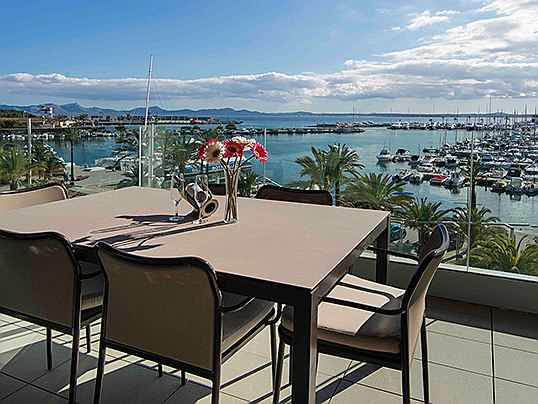 Mriehel - This exclusive apartment is on the market for 1.2 million euros and affords superb views of the marina in Alcúdia. (Image source: Engel & Völkers Majorca Puerto Alcúdia)