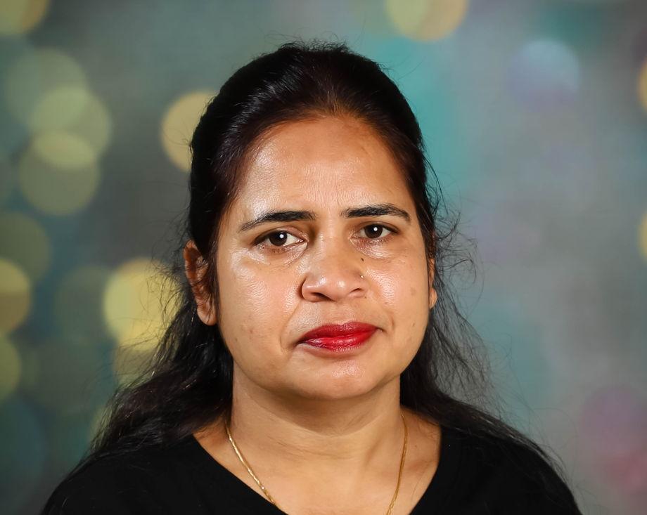 Ms. Reena , Preschool Pathways Assistant Teacher