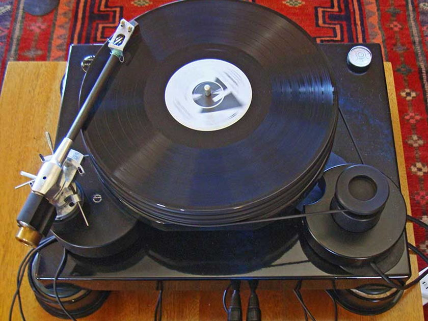 Nottingham Spacedeck Turntable with Space tonearm and Koetsu Rosewood cartridge