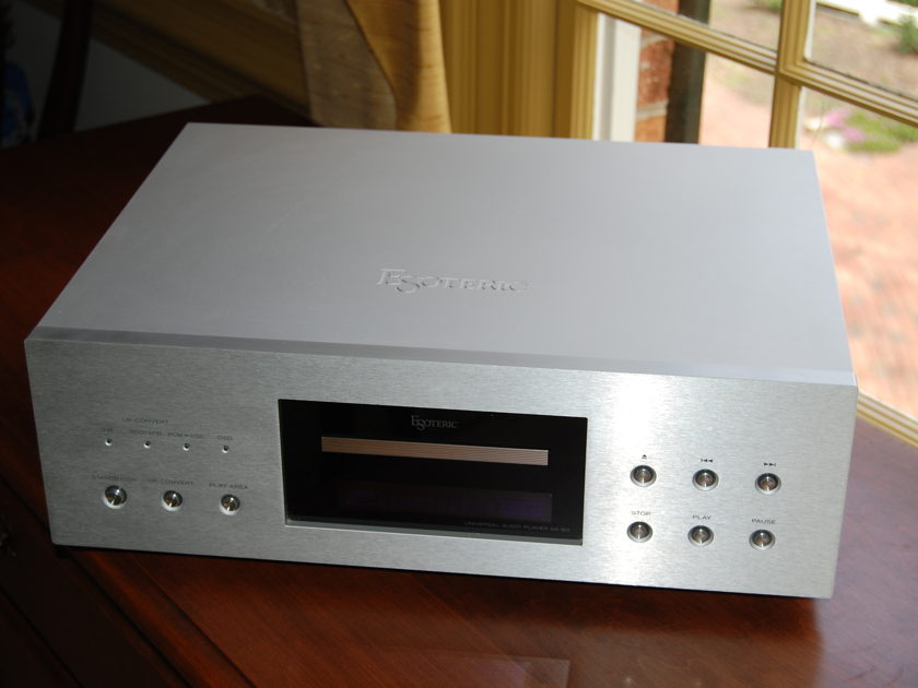 ESOTERIC SA-60 UNIVERSAL AUDIO PLAYER