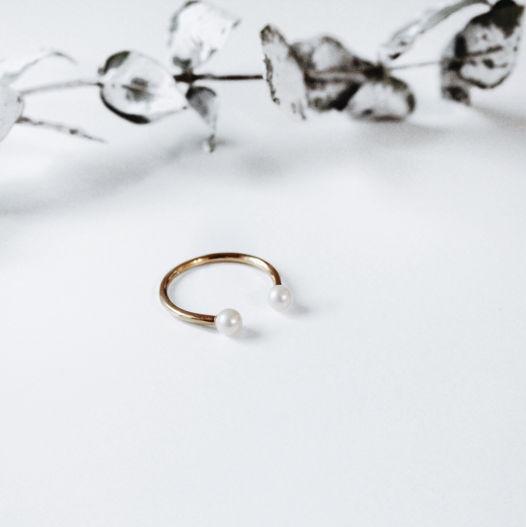 Кольцо 'Pearl-2' серебро с позолотой и белым жемчугом