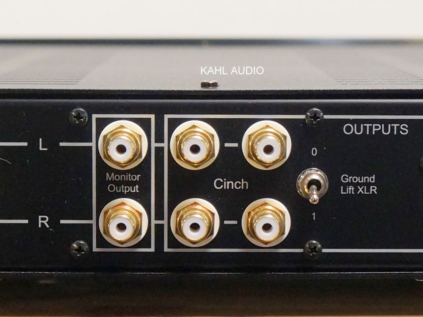 Octave Audio HP 300SE tube preamp w/MC phono. German high end! $9,000 MSRP