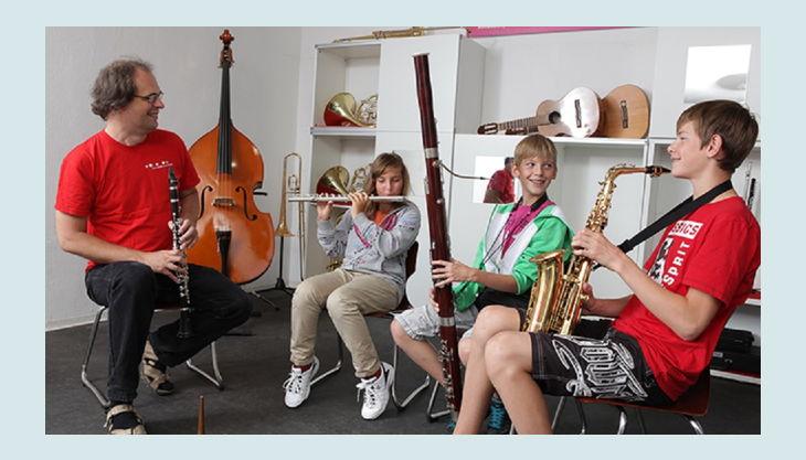 das klingende museum berlin kinder mit instrumenten