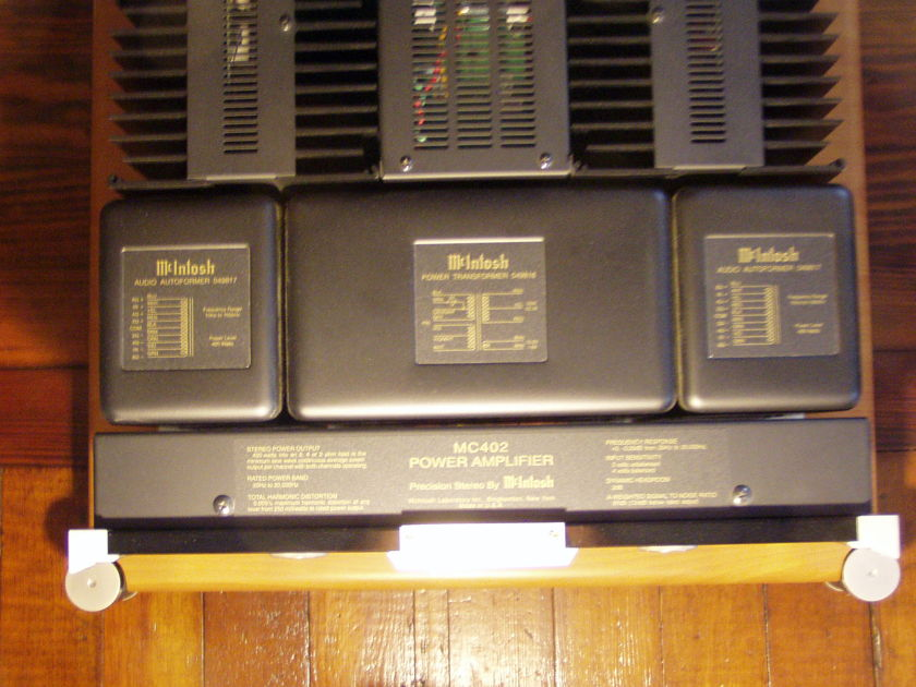 McIntosh MC402 stereo amp boxes/manual