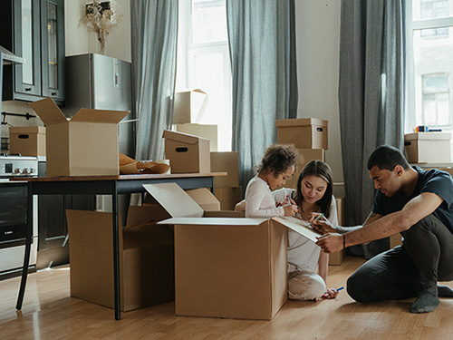 "Moving: Hire a moving company or ""do it yourself""?"