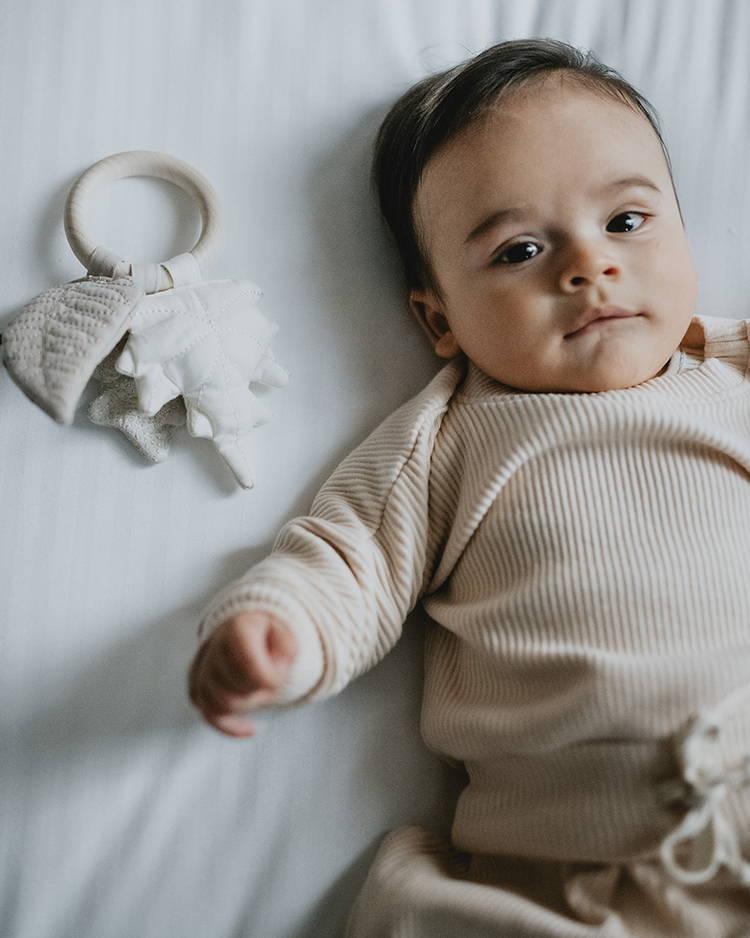 location de hochet pour bébé