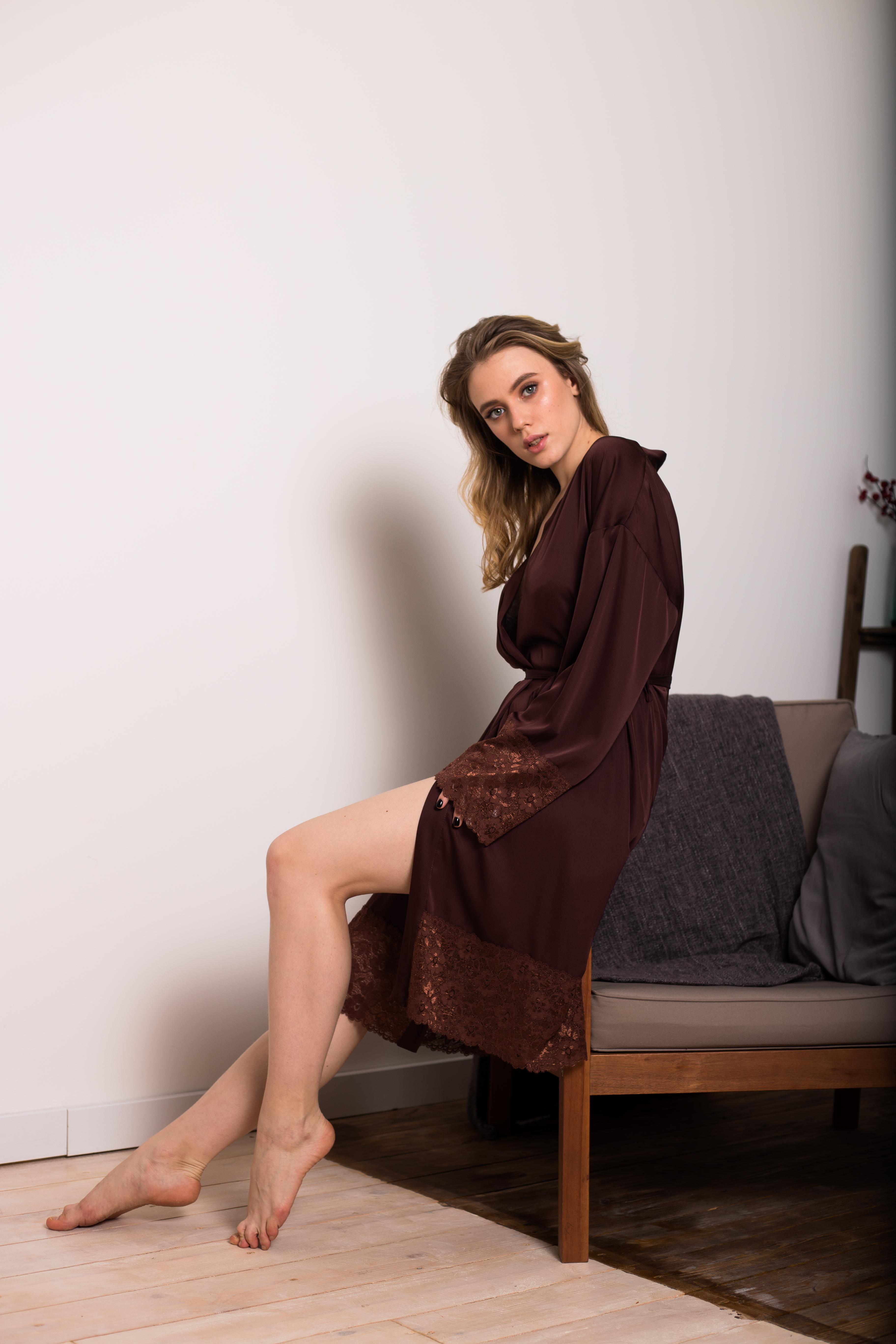 Женский шелковый халат с кружевом в магазине «Пижамы by Yulia ... a6528b2f1f854