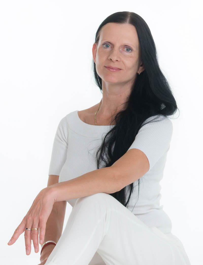 Annika Allikmäe/Nõmberg, Omika Studios looja ja joogaõpetaja