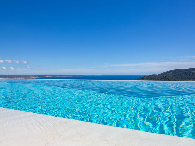 Wonderful new villa with stunning sea view in Son Vida