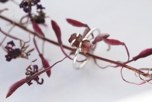 Кольцо с кристаллом турмалина