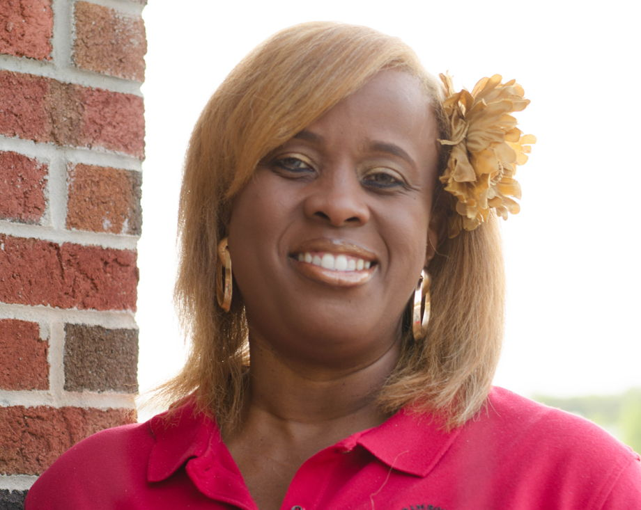 Trinace Howard , Support Staff
