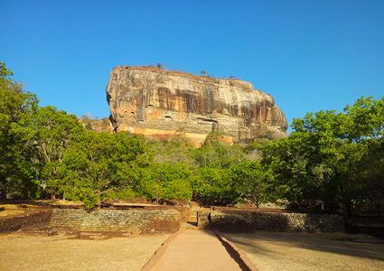 sigiriya-palace-in-the-sky