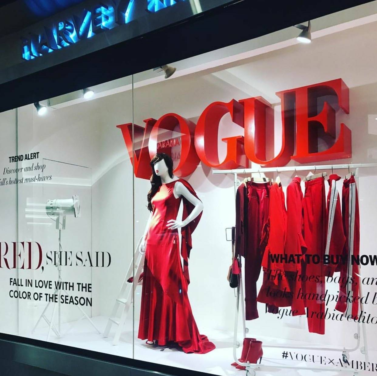 Vogue, vogue typography, vogue fonts, Vogue typeface, Lingerie Typeface, Moshik Nadav, Typographer, Best fonts 2020, Sexy fonts, Sexy logos