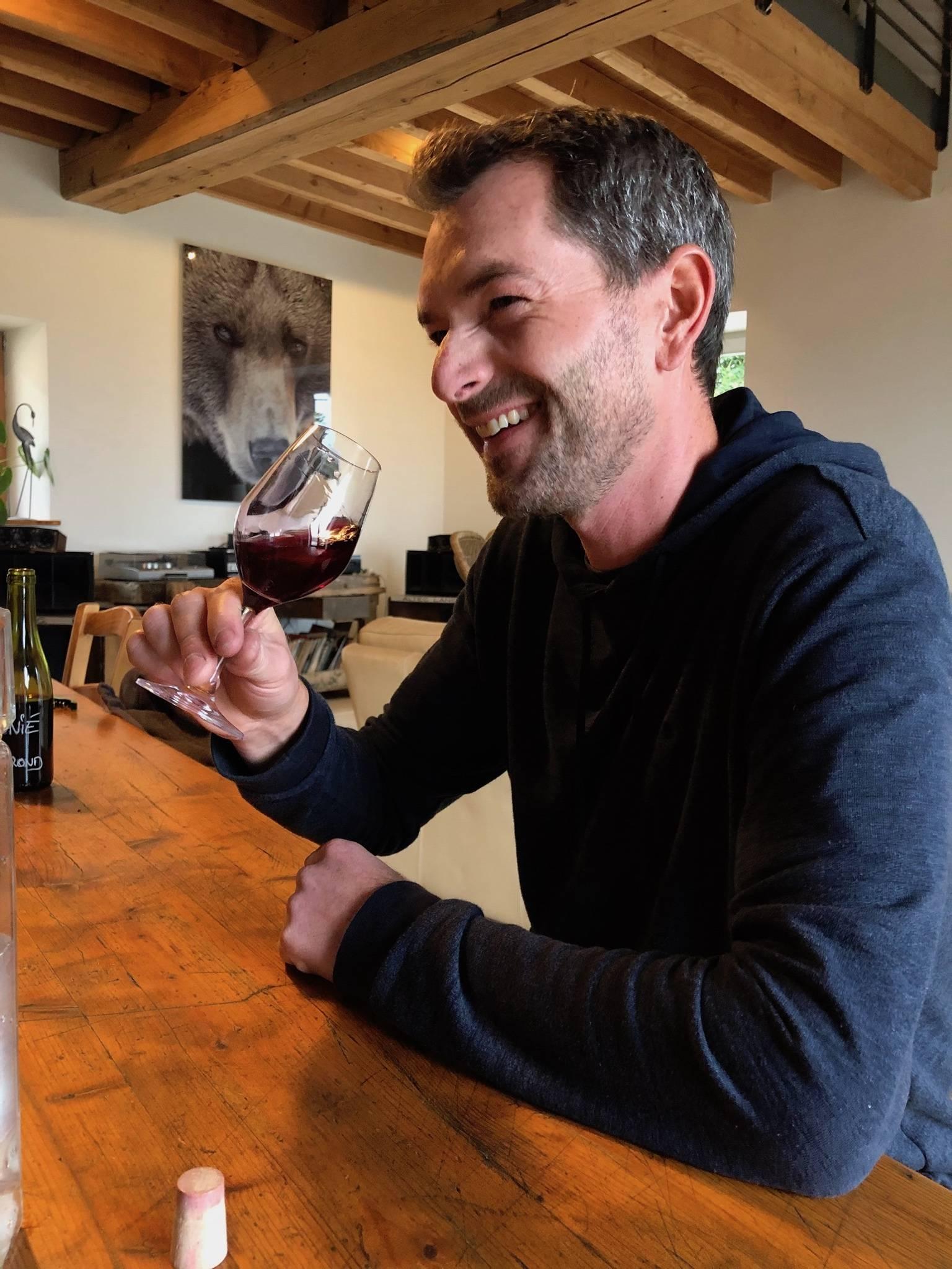 France, vin nature, rawwine, organic wine, vin bio, vin sans intrants, bistro brute, vin rouge, vin blanc, rouge, blanc, nature, vin propre, vigneron, vigneron indépendant, domaine bio, biodynamie, vigneron nature, cave vin naturel, cave vin, caviste, vin biodynamique, bistro brute, Quimper, Finistère , antoine sunier, régnié, morgon, beaujolais