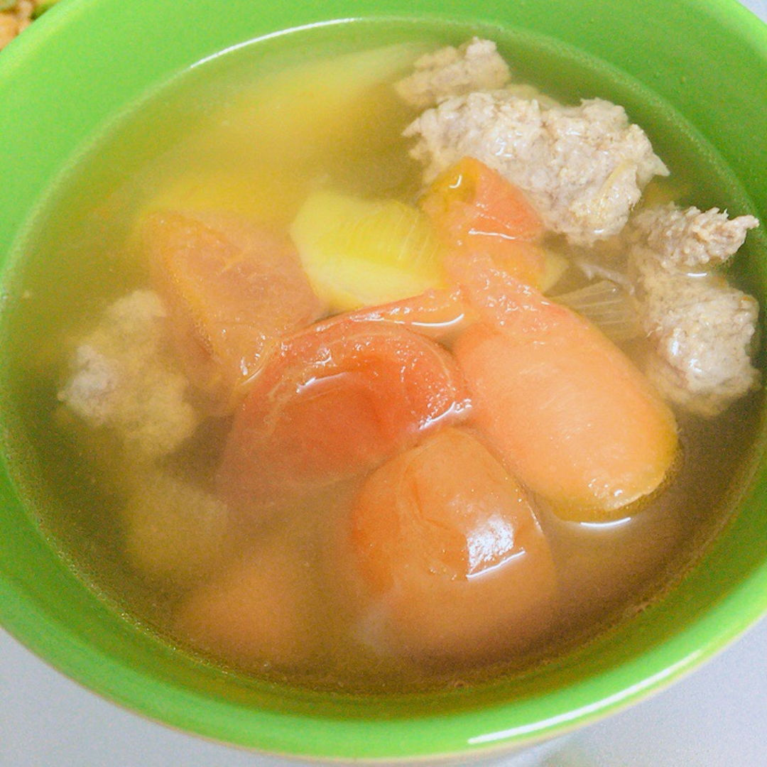 Abc soup with minced pork balls
