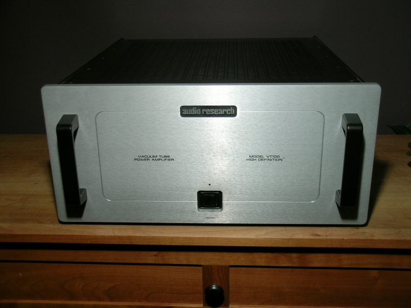 Audio Research VT100 Mk 3 100 watts/channel amp/Silver