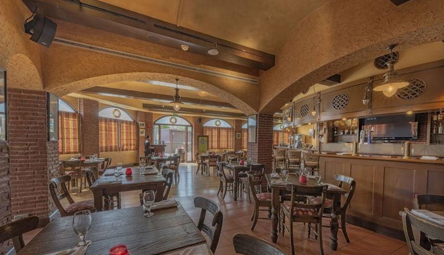 صورة Seville's Restaurant & Bar
