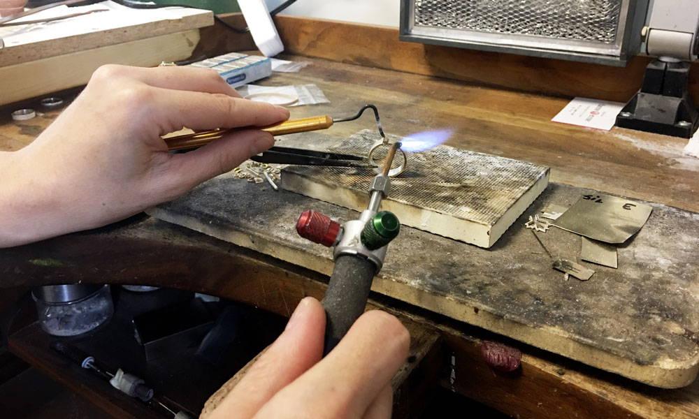 réparation de bijoux dans une bijouterie de montréal