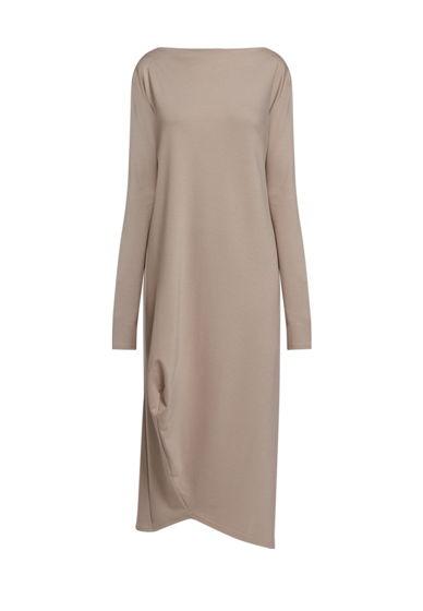 Платье с асимметричной вытачкой снизу