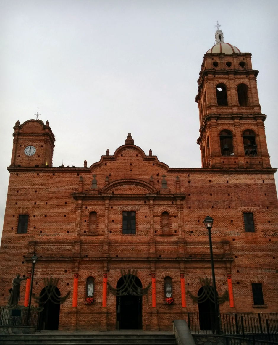 Brick church in Tapalpa, Jalisco, Mexico // www.bridgidgallagher.com