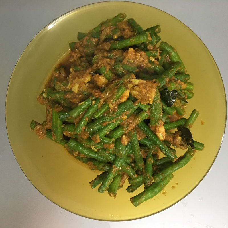 Nov 25th, 2019 - Long beans with ayam goreng berempah's paste. Tasted good too ;)) eat it together with ABC soup. At least it ease my tongue.