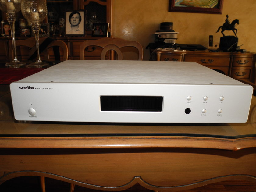 Stello April Music P200 pre amp MINT