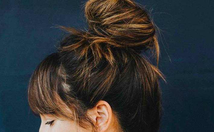 Messy topknot Bomane Salon Davines