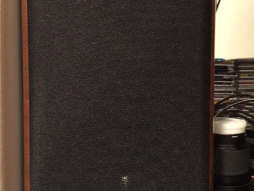 Opera Loudspeakers Mezza Like new condition