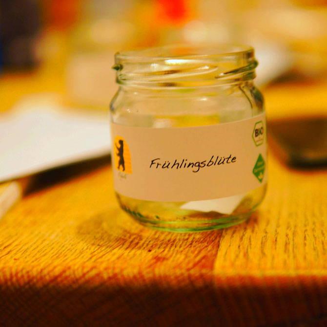 Ein leeres Glas für unseren Honig