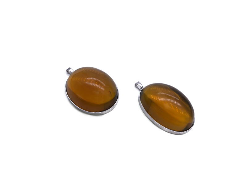 Simple pendants with amber only