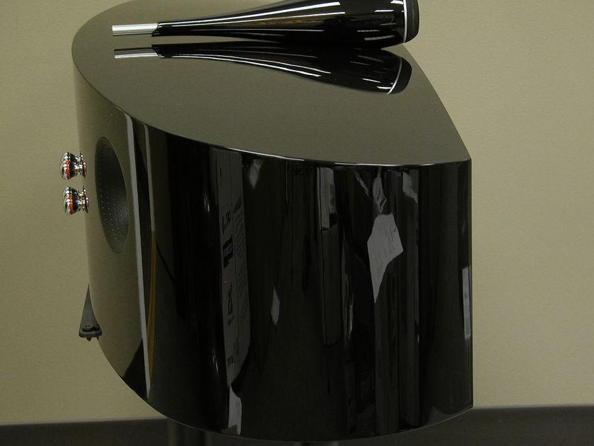 B&W HTM2D2 In Gloss Black