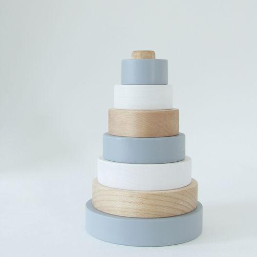 Деревянная пирамидка (круглая) монохромная