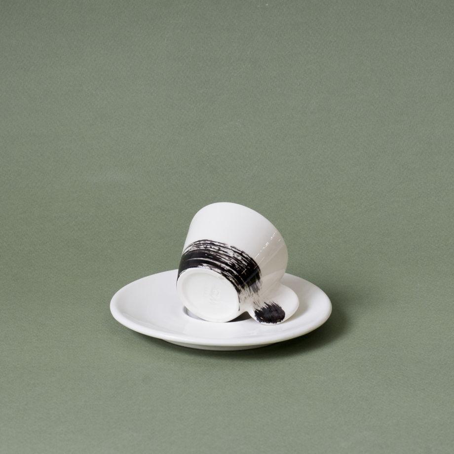 Кофейная пара белая с черным мазком кисти