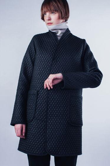Элегантное стёганное пальто-куртка