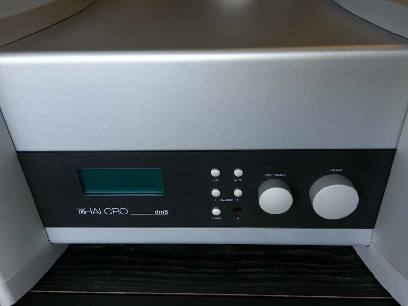 Halcro Amplifiers DM-8 Stereo Preamp DEMO Natural Finish