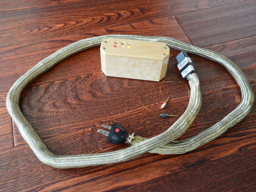 Omega Mikro LCX Active Planar  AC power cord