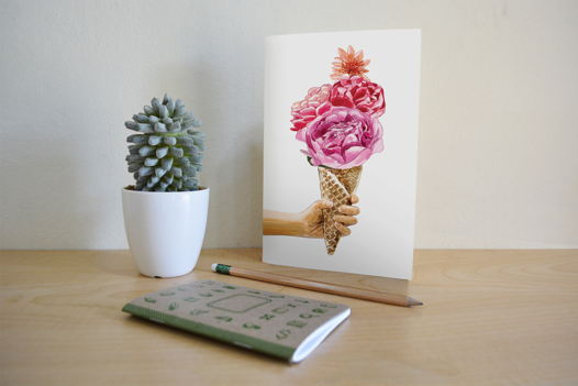 Открытка с цветами и мороженым, 10х15