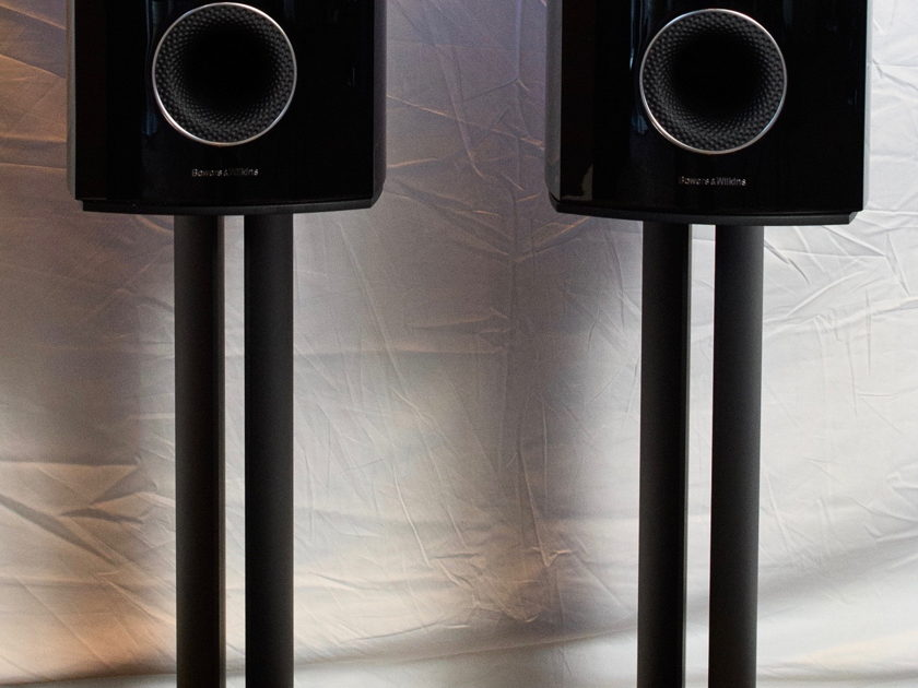 Bowers and Wilkins 805 D3 (Gloss Black) Pair / Includes stands