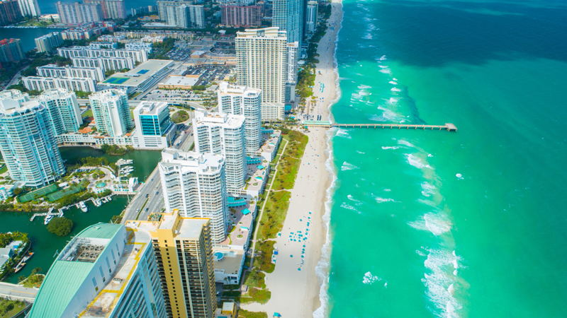 featured image for story, Sunny Isles Beach - Experience the Luxurious Lifestyle of Miami