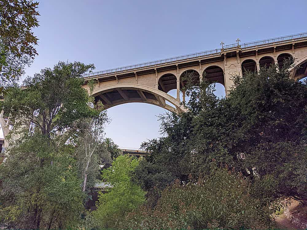 Hike to the Colorado Bridge in Pasadena