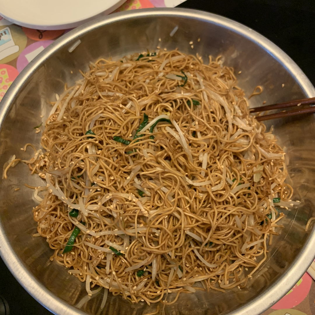 Soya sauce fried noodle