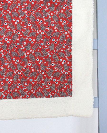 Пушистое одеяло для новорожденных
