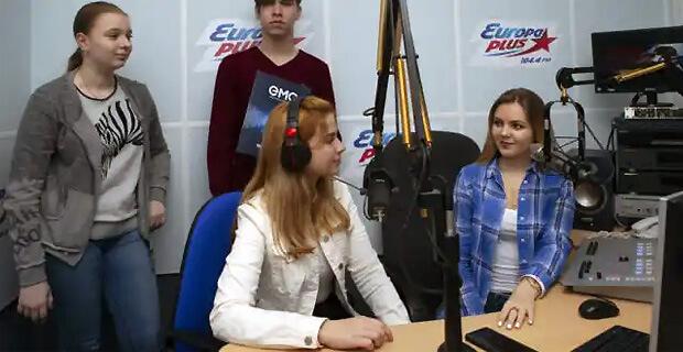 Юные репортеры Сочи прошли стажировку на радиостанции «Европа плюс» - Новости радио OnAir.ru