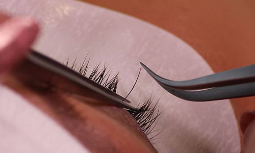 Single lash application