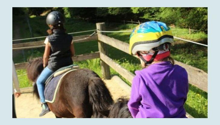 ponyhof sonnenschein reiten auf pony