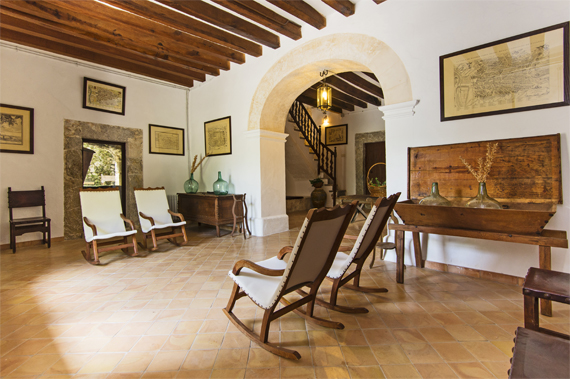 Llucmajor, Mallorca - Rustic country house with original oil mil in Caimari