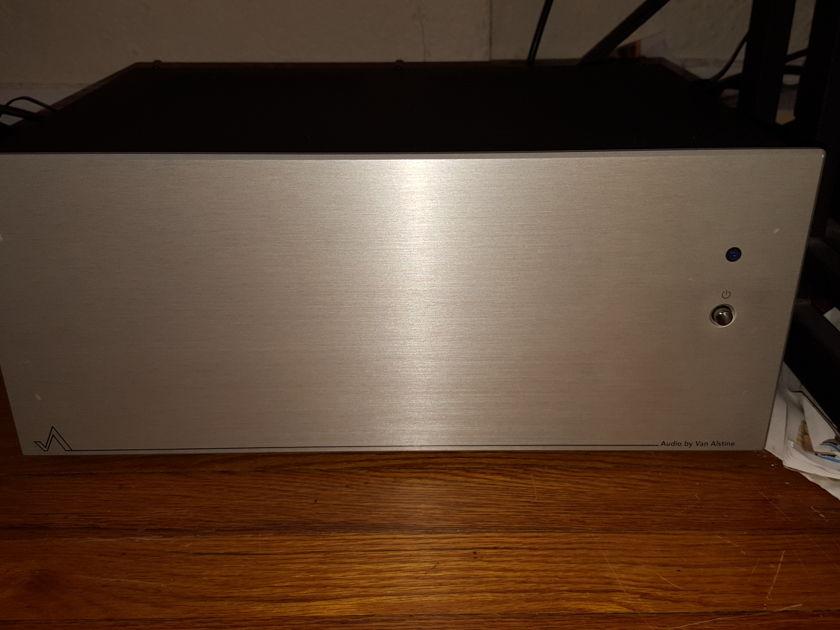Audio by Van Alstine FET Valve 600R :  300 Watt Hybrid Amplifier