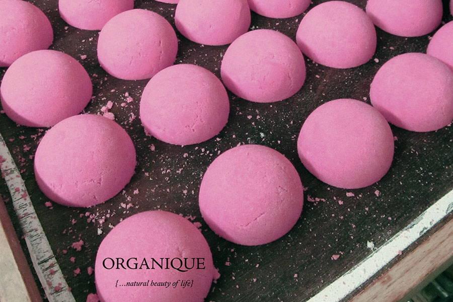 Nourishing Bath Bomb Guava energizing natural Organique