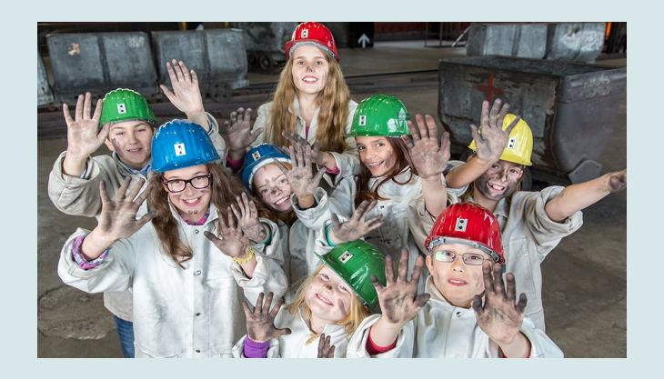 stiftung zollverein kinder winken verdreckt