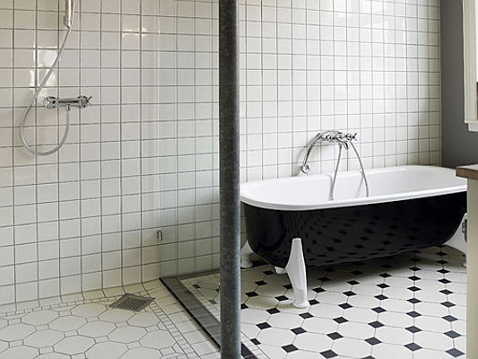Sintra - Revamp your bathroom with a new shower wall. Here's a look at the latest trends: